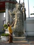 Ein Wächter des liegenden Buddha