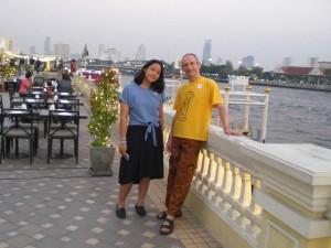 Warten auf das Boot: Andreas und Looktarn